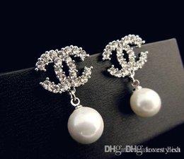 Wholesale European and American high end fashion jewelry pearl earrings hypoallergenic diamond earrings