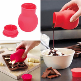 Wholesale Practical Silicone Chocolate Melting Pot Mould Butter Sauce Milk Baking Pouring liquid holding fresh keeping jars bottles