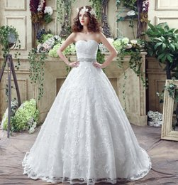 Fashion White   Ivory Wedding Dresses Cheap In Stock With Sweetheart Neckline Crystal Beaded Ball Gown Real Photo Wedding Gowns Discount