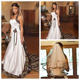 Wholesale 2015 New Designers Halter A Line Camo Wedding Dresses Chapel Long Formal Natural Slim Bridal Gowns For Ladies Wedding Handmade Flower Adorn