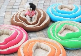 Wholesale New Style Soft Bed Pet products soft warm dog Bed Nest Cama pet luxury warm pet bed free heart pillow free gifts