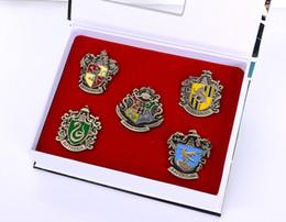 Wholesale Harry Potter Brooch Sets Unisex Harry Potter Hogwarts Brooch Badge Pin Set Gryffindor Logo Alloy Brooch KIds Gift Cosplay Anime m1046