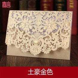 Wholesale 2016 Best Selling Hollow Laser Cut Lace Flower Wedding Invitation Cards Gold Or Red Table Card Personalized Printed Card With Envelope