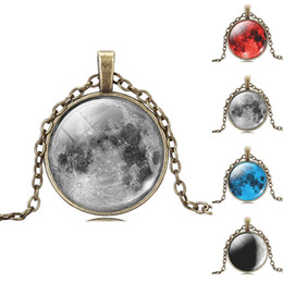 Wholesale Fashion Art Picture Statement Necklace Vintage Moon Bronze Necklace Pendant for Women Summer Style Fine Jewelry EH173