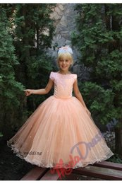 Free Shipping Ball Gown Puffy Cap Sleeve Lovely Kids Prom Dresses Peach Colour Flower Girls Pageant Gowns Dresses