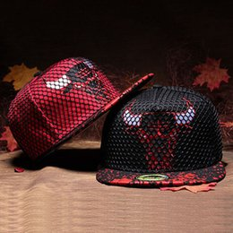 Wholesale 2016 New Design Colors Women Men Bones Snapback Hats Fashion Bull Fitted Baseball Cap Hat Hip Hop Caps For Men