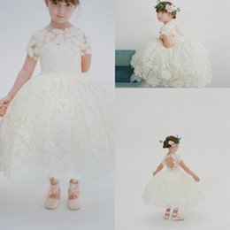 Designer Tea Length Wedding Flower Girls Dresses Lace High Neck Short Sleeves Keyhole Back Fancy Appliques Little Girls Pageant Dresses