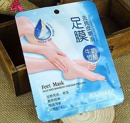 Wholesale ROLANJONA feet mask Milk and Bamboo Vinegar Feet Mask skin Peeling Exfoliating Dead Skin Remove for Feet care g pair