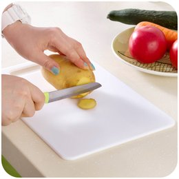 Wholesale Thick fashion antibiotic cutting board plastic cutting board chopping block chopping board fruit can hang type