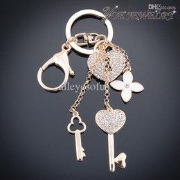 Trousseaux gros fleur à vendre-Gros-gros chaîne de clé de voiture de mode Gold Heart Accessoires Keychain Pour la touche féminine classique de fleurs en cristal Keychain Porte-clés