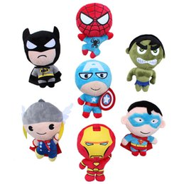 Película de acción en venta-Los Vengadores 2 juguetes de peluche Iron Man Superhero Spiderman Thor Capitán América 20CM Q Versión Stuffed Muñecas Soft PP Cine de algodón Figuras de Acción