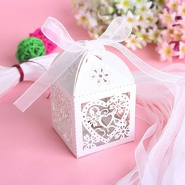 New Love Heart Laser Cut Candy Gift Boxes With Ribbon Wedding Party Favor