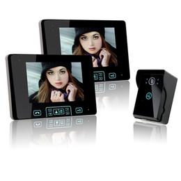 Descuento pantallas digitales Saful 2.4GHz 7 pulgadas de color digital de pantalla táctil de vídeo Teléfono de la puerta del video grabadora de vídeo con dos monitores de interior y una cámara al aire libre