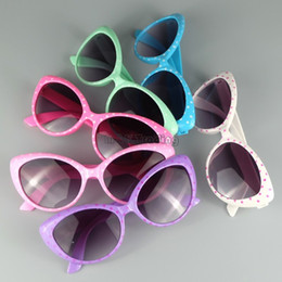 Wholesale 2016 News Fashion Kids Sunglasses Design Cool Cat Eye Children Eyewear Lenses Plastic Hinge Mix Colors