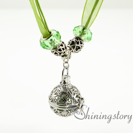 butterfly openwork essential oil diffuser necklace wholesale diffuser necklace jewelry lockets locket pendant necklace wholesale lockets