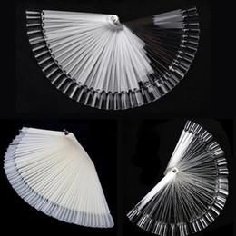 Grossiste - 3 Styles 50Pcs / Set Femmes Mesdames False Nail Art Tips Board Sticks Polonais Display Fan Pratique Outil nu / Clear Outils De Maquillage 2016 à partir de pratique bord du ventilateur clou fabricateur