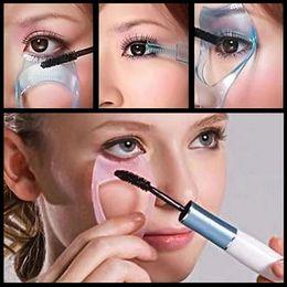 Wholesale-3 in 1 Shield Guard Eyelash Comb Applicator Guide Card Makeup Tool 6XU7