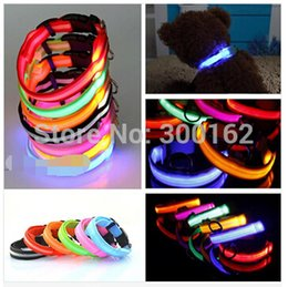 Wholesale LED Nylon Pet Dog Collar Night Safety LED Light up Flashing Glow in the Dark Lighted Dog Collars