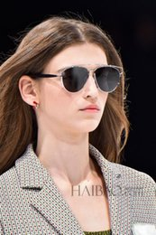 Wholesale NewMetal Frame Sunglasses Euramerican Popularity Big name Multicolor Reflective Sunglasses You Deserve This High Quality Sunglasses