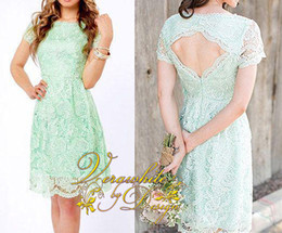 Elegant A-Line Bridesmaid Dresses 2015 Bateau Neck Mint Green Lace Short Sleeves Laciness Open Back New Short Evening Party Gowns Custom