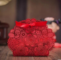 Romantic Hollow out RED Wedding Gift Box Elegant Luxury Decoration Laser Cut Party Sweet Favors Guest Gift Wedding Paper Candy Boxs THZ173