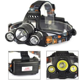 Wholesale Headlamp CREE Headlight XML T6 R5 modes Waterproof Rechargeable LED light with mah v battery car AC charger