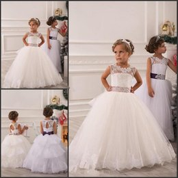 Cool wedding dresses for young: Junior bridesmaid dresses white