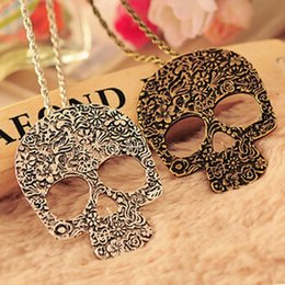 Vintage Gothic Carved Flowers Skull Skeleton Pendant Necklace, Sweater Ceative Design Long Chain Necklace for Girls X2143