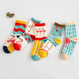 Wholesale-lady's socks How lovely the Flamingo cotton cotton socks dot wave cartoon creative socks