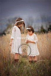 2020 Vintage Lace Flower Girls Dresses Summer Boho Wedding Half Sleeves Knee Length Custom Made Cheap Kids First Communion Dress