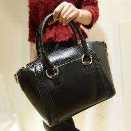 Wholesale-Women bag 2015 genuine pu leather bags handbags women famous brands women leather handbags women shoulder bag tote bag