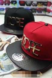 Compra Online Los sombreros de los hombres-Nuevos gorras de béisbol calientes Hiphop Sombreros planos de los hombres masculinos de los hombres Gorras causales de los bailarines Snapback al aire libre Sun Topee Letter Metal Decorati