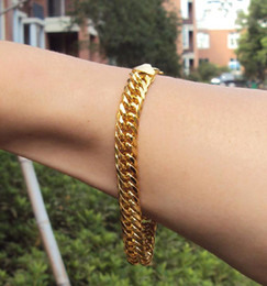 MENS HEAVY YELLOW GOLD CUBAN LINK CHAIN BRACELET 230MM Real people model 100% real gold, not solid not money.