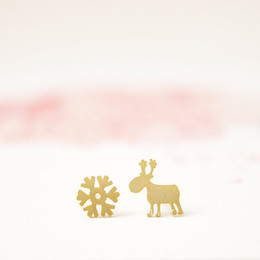 Fashion 18K Gold Silver Rudolf and Snowflake Stud Earrings Wholesale free shipping winter reindeer Three kinds of color