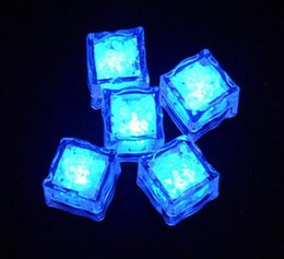 Flash Ice Cube Put Into Water Drink Punchbowl Flash Automatically Water-Actived Flash Led Light for Party Wedding Events Bars Christmas