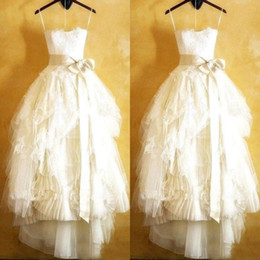 Gorgeous Strapless Tea Length Beach Wedding Dresses Lace Appliques Pleats Ruched Ruffles Skirt Informal Country Style Bridal Gowns with Sash