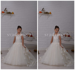 Wholesale 0133 Lace Pearls Portrait Ball Gown Tulle Ivory Baby Girl Birthday Party Christmas Dresses Children Girl Party Dresses Flower Girl Dresses