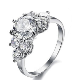 Free Shipping Fine Wholesale - Hearts and Arrows cut diamond CZ New simple Super Flash Rhinestone Ms. Ring Single Ring Wholesale