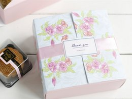 Wholesale Pink Flowers Printed Bakery and Cookie White Cardboard Paper Cupcake Moon Cake Boxes and Food Packaging