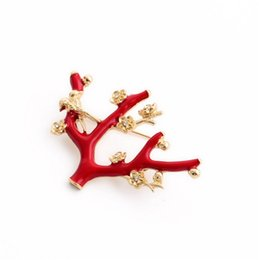 Wholesale Y168 and brooches manufacturers selling personalized fashion red bird flower brooch pin drop oleoresin