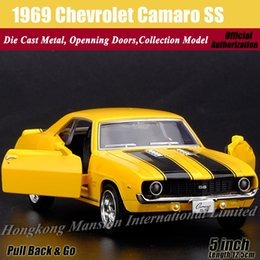 Diecast Classic Car Model For 1969 Chevrolet Camaro SS 1:36 Scale Alloy Metal Collection Model Pull Back Toys Car