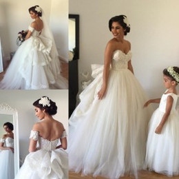 Wholesale 2015 A Line Wedding Dresses with Detachable Train Sweetheart Beaded Lace Fluffy Backless Wedding Gowns Princess Ball Gown Wedding Dresses