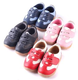 Wholesale SandQ baby Boys sneakers soccers girls sneakers Children leather shoes pink red black navy genuine leather flexible sole customize logo