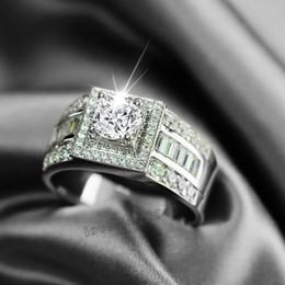 Mariage met en vente à vendre-Taille 8-13 Hot vente de luxe bijoux en or blanc 10kt rempli topaze blanche Gem hommes mariage simulé mariage de diamant bague de fiançailles Gift Set