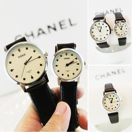 Wholesale Mens watch vine fashion trend of the female form waterproof genuine leather male women s lovers strap watch