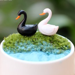 Wholesale artificial mini swan animals Ornaments fairy garden miniatures toys gnome moss terrarium decor resin crafts bonsai home decor for DIY Zakka