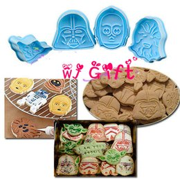 Wholesale 4pcs Star War cartoon D cookie cutter Plunger biscuit mold cooking tools bakeware sugar craft fondant cake mold topper