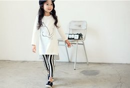 2015 Fashion Hot Sale Children OUtfits Lovely Cartoon Kitty Striped Kids Clothing Sets Long T-shirts + Leggings Two-piece Girls Suits CR408