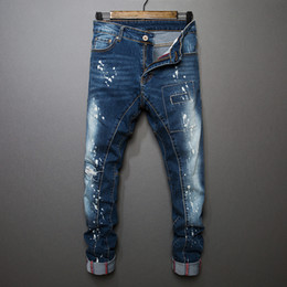 Men staight Jeans Fashion Designer Straight Motorcycle Biker Jeans Causal Denim Pants Streetwear Style Runway Rock Star Jeans Cool
