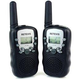 Deux radios bidirectionnelles vente à vendre-Vente en gros-Hot 2PCS Noir Deux Radio Intercom Way LCD lampe de poche 0.5W UHF 22CH Portable sans fil Talkie Walkie, Livraison gratuite